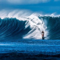 Robbie Maddison Makes History – Surfs A Wave On His Motorcycle