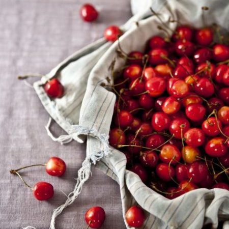 food for gout, cherries for gout, best food to eat for gout, preventing gout, foods to eat for gout, cherries for uric acid levels, cherries lowering uric acid, how to prevent gout